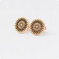 Серьги-гвоздики из золота с Коловратом